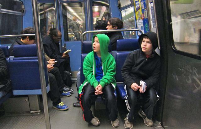 kids-on-the-paris-subway
